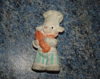 Cook lamb figurine resin 6 cm very good condition