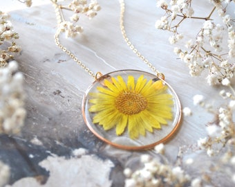Yellow Daisy Necklace,Daisy Jewelry, Pressed Flower Necklace, Botanical Jewelry, 14k gold fill