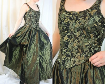 Elven Green Corset Dress Taffeta Embroidered Floral Corseted Ball Gown Moss Green Dress Vintage Gown 70s 80s Dress Dance  Prom Bridesmaid
