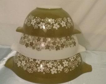 Vintage Like New Crazy Daisy  Spring Blossom  Pyrex Cinderella Bowls (3)