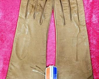 Chevreau Garanti ~ Barnier Tan Kid Leather Dress Gloves ~ Size 7 1/2 ~ 100% Silk Lined ~ N.W.T.