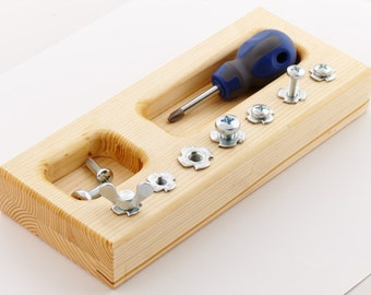 Montessori screw board