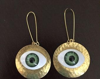 Dangle Eye Earrings     I 'm watching you!