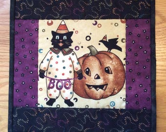 Halloween Quilted Wall Hanging or Table Topper with Boo Kitty Cat Pumpkin Crow Banner