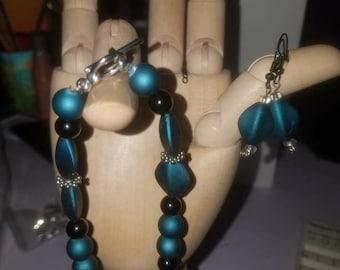 Blue Velvet beaded bracelet and earrings