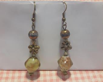 Yellow-green dangling earrings