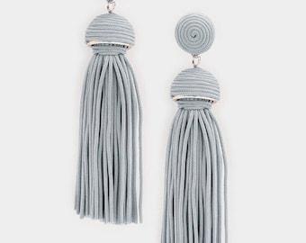 Thread Dome Tassel Earrings Gray