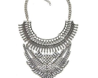 Special statement metal necklace