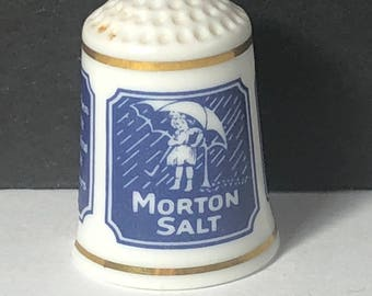 1980 FRANKLIN MINT THIMBLE vintage porcelain sign food product advertising gold trim figurine miniature Morton Salt when it rains it pours