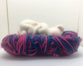 Needle Felted Sleeping  Mouse, Felted Sleeping Mouse, Cute Mouse, Collectable Handmade, Mouse, Handmade Felted Mouse, gift for her