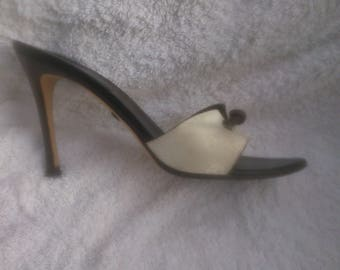 GUCCI Vintage stiletto high heel Off White with brown leather trim  sandals size 40