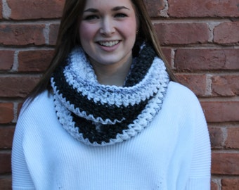 Ombre Belle Scarf / Colorblock Infinity Scarf / Bulky Crochet Scarf / Textured Striped Cowl Scarf / Monochromatic Scarf