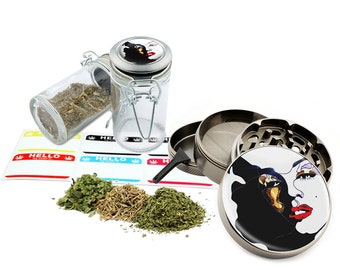 "Marilyn Monroe - 2.5"" Zinc Alloy Grinder & 75ml Locking Top Glass Jar Combo Gift Set Item # 50G012516-27"