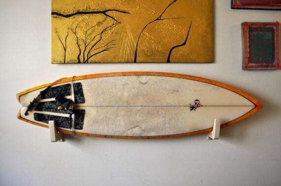 support de planche de surf en bois. Black Bedroom Furniture Sets. Home Design Ideas