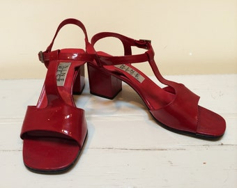 9-WEST Red, patent leather t-strap sandals - 6 1/2