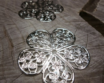 5 Leaf Petal Plate Applique ~2 pieces #100206