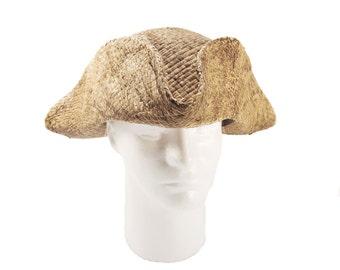 Tricorn natural straw, peasant hat,pirate tricorn,tricorne,tricorne hat,historic hat,period hat,new france hat,straw hat,larp hat,costum hat
