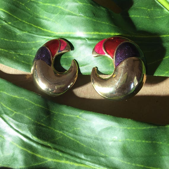 Symmetrical Clip-Ons | gold swirl pink red purple sparkle inlay 80s vintage new wave bold big earrings / jewelry