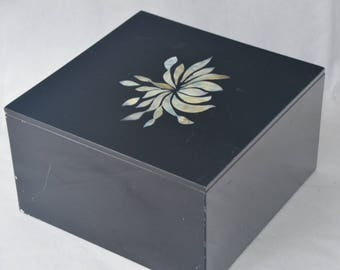 "eb1890 Black Lacquer Box with Abalone Inlay VINTAGE 8.5"" x 8.5"" x 5"" Tall (Inner dimensions about 8-1/8"" x 8-1/8"" x 4-1/2"")."