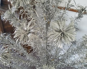 Mid Century Vintage Aluminum Pom Pom Christmas Tree with Electro Color Wheel