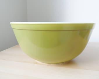 Pyrex Verde 403 mixing bowl