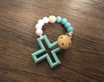 All natural wood and 100% bpa free silicone teething cross clip
