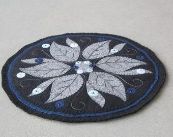 PDF Pattern: Winter Leaf Penny Rug, Instant Download, Winter Decoration