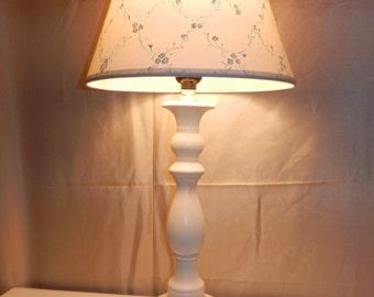 White Lamp with White Print Uno Shade