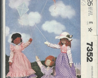 Vintage 1980 McCalls Pattern 7352-Doll & Clothes