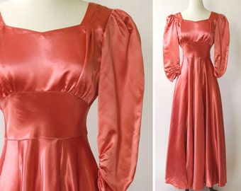 vintage 1940s gown <> 1940s satin gown <> 40s pink salmon color gown <> 1940s satin dress