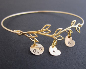 Personalized Bracelet for Mom with Kids Initials Birthday Gift for Mom From Daughter Son or Kids Family Tree Bracelet for Mother in Law Gift