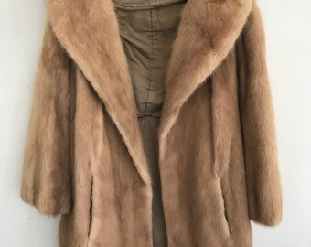 Beige vintage mink fur coat woman size medium .