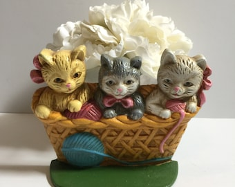Vintage Cast Iron Doorstop Three Kittens in a Basket with Yarn and Bows Taiwan