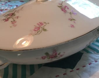 Vintage Oval Shapped Serving Bowl With Lid Victoria Roses Made in Austria #4167
