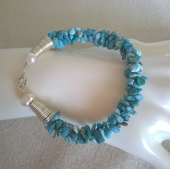 S - 383 Turquoise and pearls bracelet