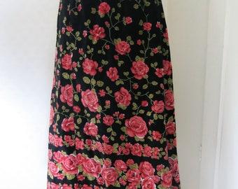 Velvet skirt with roses 70s