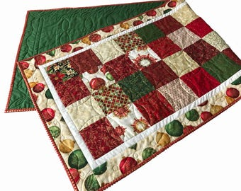 Christmas Table Runner Holiday Table Topper Winter Ornament Quilted Red Fence Quilting Table Runners Decoration
