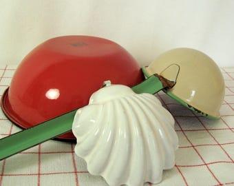 Enamelware Shell Mold White Seashell Clamshell Vintage Individual Gelatin Mold