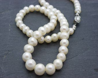 Necklace romantic 7-8 mm white natural freshwater pearls