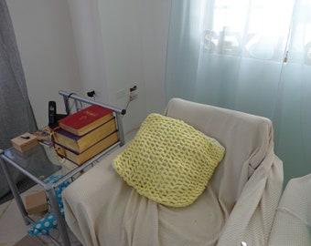 Yellow pillow case crochet