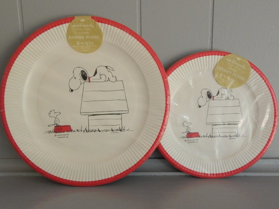 NOS 1970u0027s Snoopy and Woodstock Paper Plates / 8 Dinner Plates and 8 Dessert Plates / Hallmark from SolaChristine on Etsy Studio & NOS 1970u0027s Snoopy and Woodstock Paper Plates / 8 Dinner Plates and 8 ...