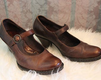 Sz 6-6.5 Vintage 90's Genuine Leather Mary Janes Doll Shoes Girl Shoes