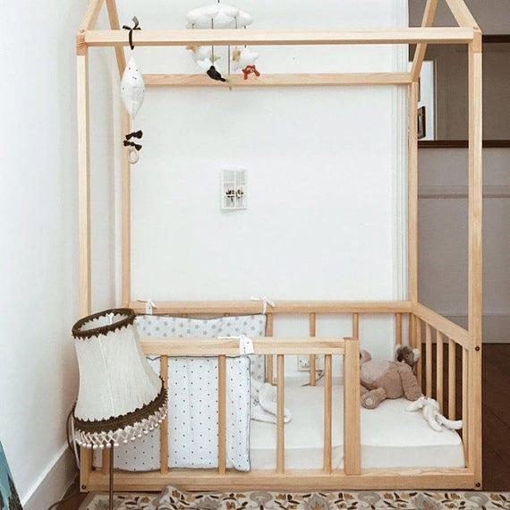 twin size haus bett mit zaun haus bett kinderbett. Black Bedroom Furniture Sets. Home Design Ideas