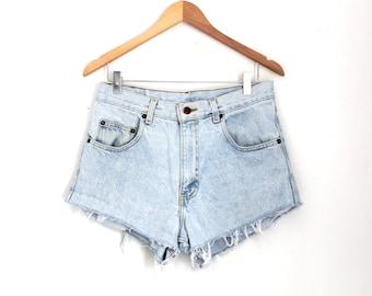 """Waist 32"""" High Waisted Vintage Denim Shorts"""