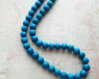 "Vintage Turquoise Blue Wood Beaded Thick necklace,24"" neckline by 1/2"" wide,twist closure,Indian,Native American"