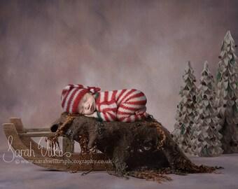 Newborn Digital Background - Brown Felt Christmas Sledge