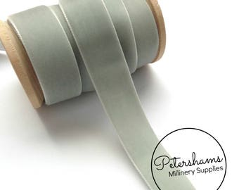 22mm Berisfords Velvet Ribbon for Millinery, Hat Trimming & Crafts 1 metre (1.09 yards) - Silver (9702)