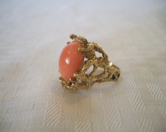 Exquisite ESTATE Heavy 14K Yellow Gold & Pink Blush Coral RING size 6, 15.9 grams
