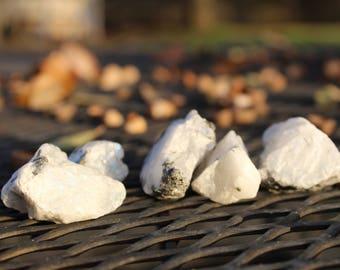 Raw Moonstone: Healing stone