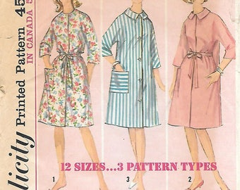 Simplicity 5531 1960s Simple to Sew Bathrobe Duster Housecoat Vintage Sewing Pattern Bust 32